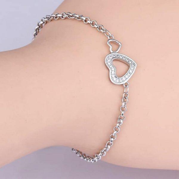 Srebrna narukvica sa cirkonima srce srebrni nakit prodaja